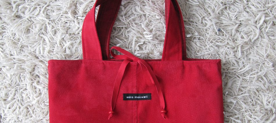 Red Tote-Along